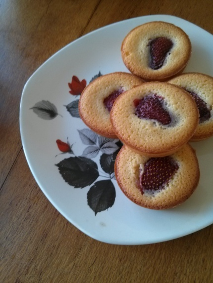 strawberry friands