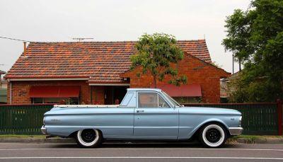 suburban auto : suzanne phoenix -pascoe vale