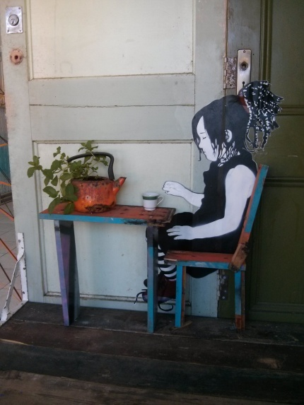 be free : split in two northcote - tea cup
